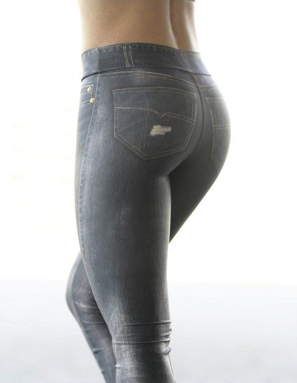 Rear view Rolamoca jeans legging
