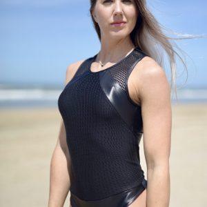 Fitgirl wearing Rola Moca Tornado Sportbody