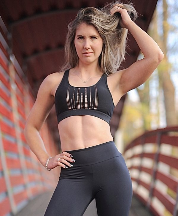 Fitgirl wearing a black sportsbra