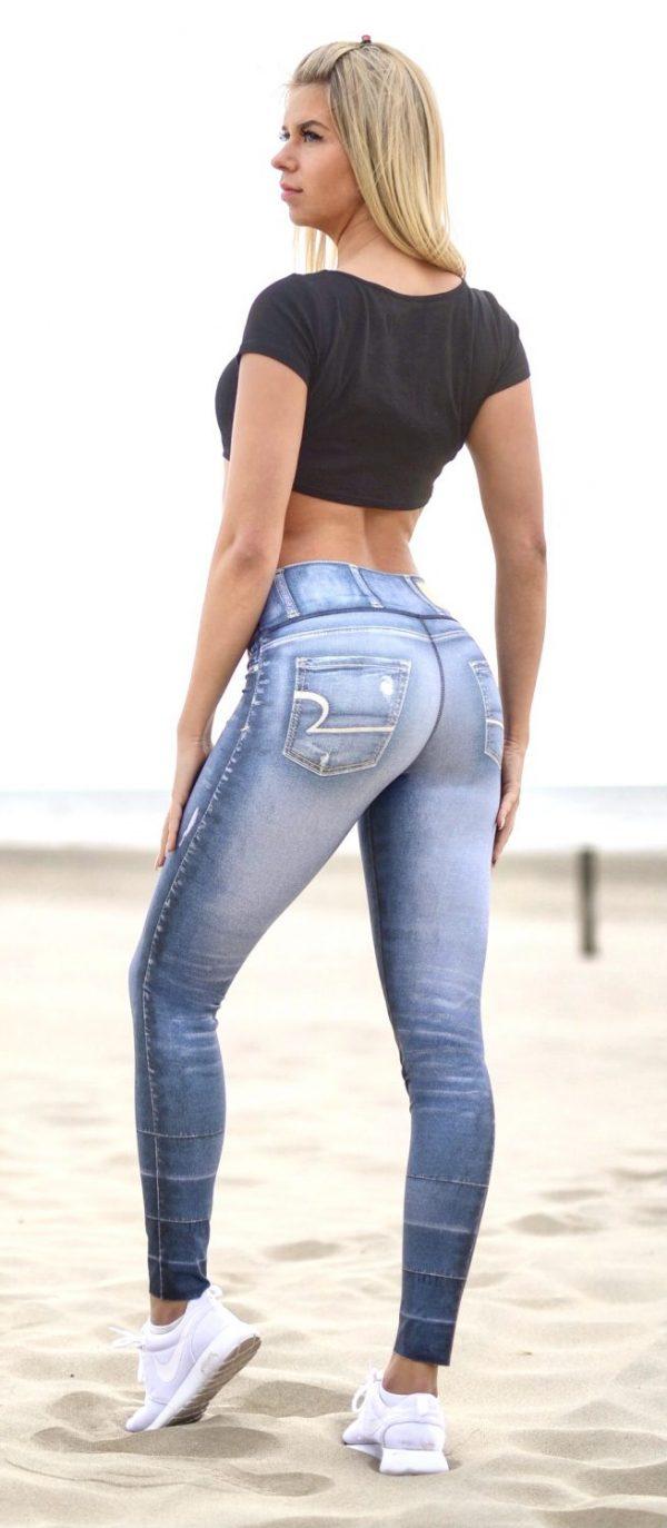 Rear view Rolamoca Mondial Jeans